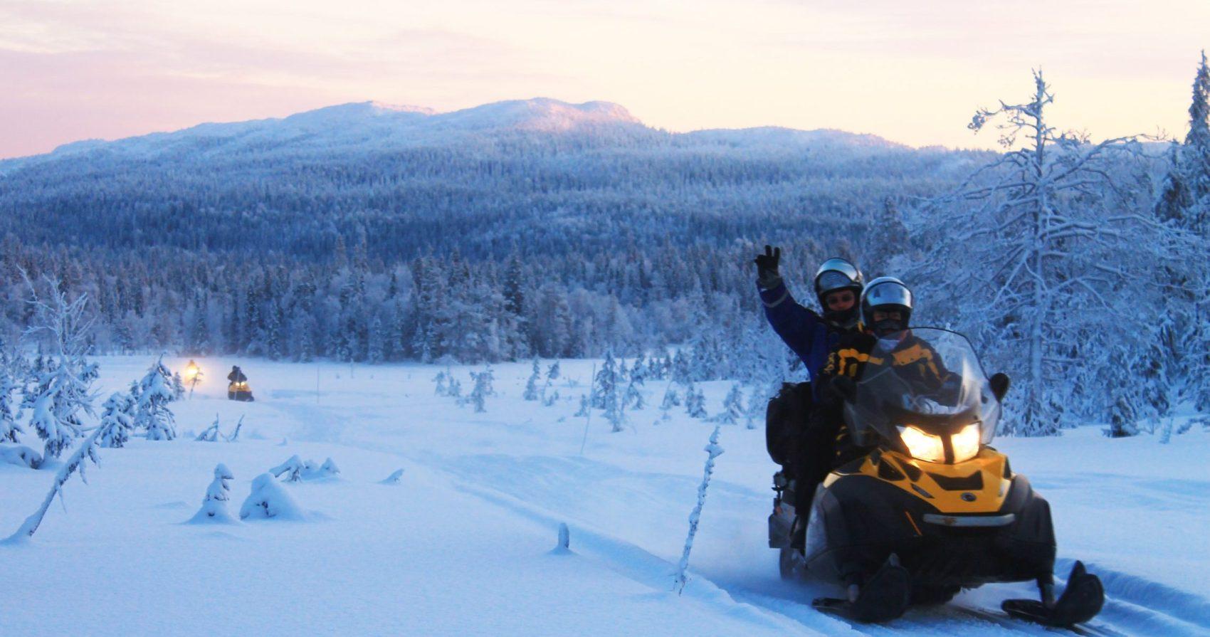 Снегоходный тур в Карелии 8 марта