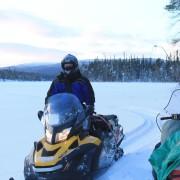 Прибыли на секретное озеро в северной Карелии, чтобы порыбачить зимой на трофейную щуку, окуня и гольца