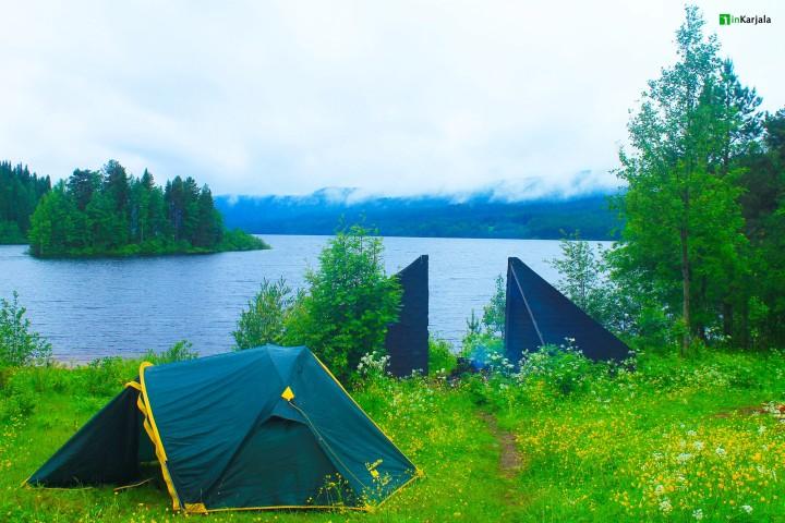 Озеро Паанаярви и палатки