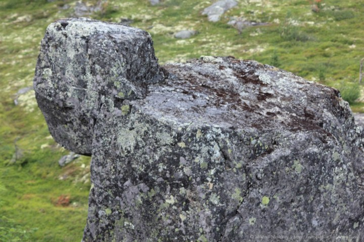 Образ каменной бабы на горе Кивакка